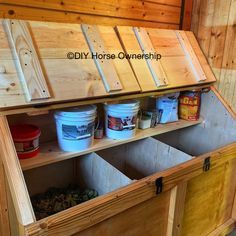 Barn Stalls, Horse Stalls, Dream Stables, Dream Barn, Diy Horse, Horse Tips, Horse Horse, Tack Room Organization, Horse Tack Rooms