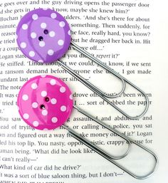 Funky Button Bookmark - also use colored plastic coated paper clips.
