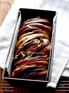 בבקה - עוגת שמרים עשירה ועסיסית במילוי שוקולדי שפשוט חייבים להכין