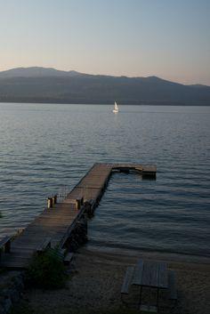 A sailboat and a dock. | prolabdigital.com