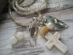 lange Glitzerkette creme Herz Kreuz Perle Howlith von chrissona auf DaWanda.com