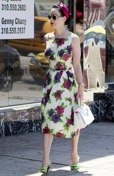 41115c2438c8 Casual chic Dita von Teese Flowery Dresses