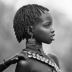 Hamar little girl, Omo valley, Ethiopia - Photo by Eric Lafforgue