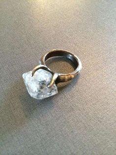 Bjørg smykker er vakre og personlige. Denne ble min til min fødselsdag.