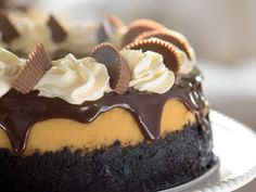 Reeses Peanutbutter cup cheesecake--YES PLEASE