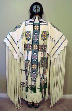 KQ Designs - Native American Beadwork, Powwow Regalia, and Beaded Clothing and Accessories. Native American Clothing, Native American Regalia, Native American Beauty, Native American Crafts, Native American Beadwork, Native American History, American Art, Native Beadwork, Cherokee