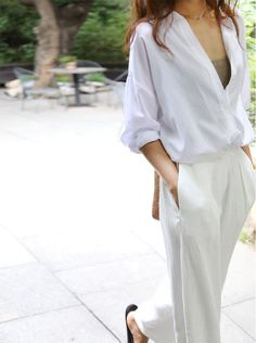 Death By Elocution: Photo Preppy Chic Style, Style Me, Casual Chic, Minimal Classic Style, Minimalist Style, Classic White, Minimalist Fashion Women, Street Chic, Women's Fashion Dresses