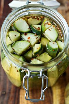 Easy Refrigerator Pickles via Certified Pastry Aficionado Homemade Refrigerator Pickles, Refrigerator Pickle Recipes, Homemade Pickles, Spicy Pickles, Recipe For Garlic Dill Pickles, Classic Dill Pickle Recipe, Home Made Pickles Recipe, How To Make Pickles, Making Pickles
