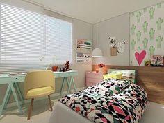 Quarto menina l Destaque para a escrivaninha verde água, poltrona amarela e criado rosa, amei o mix de cores!! Projeto @mangarosaarquitetura #girl #girlroom #bedroom #decor #goodnight #boanoite #photo #candycolors #wallpaper #sp #arquitetura #architecture #architecturelovers #instapic #instagram #instalove #pink #barbie #blogger #blog #design #fabi #dicasdafabi #fabiarquiteta  www.fabiarquiteta.com