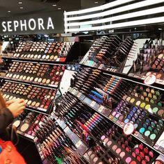 ᏁᎥƙƘᎥ ℒᎧᏤᏋᎦ Sephora Makeup, Makeup Kit, Skin Makeup, Makeup Cosmetics, Beauty Makeup, Makeup Brush Set Amazon, Makeup Collage, Rave Makeup, Magical Makeup