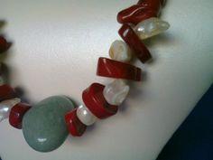 jade, coral y perlas.