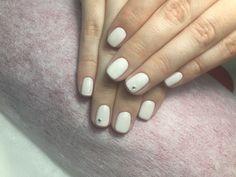 Белый маникюр белые ногти стразы лето летний маникюр