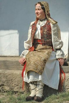 Romanian folk costume from Banat region (SW Romania)
