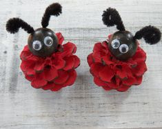 These unique little ornaments are a wonderful way to brighten any room. They herald spring and are perfect Easter accents or just because happy pieces. The sizes vary but 2 in height is average. As hand crafted pieces (made with real pine cones) they have their own individual quirks and therefore each one truly is a one-of-a kind.  Please contact us with your postal/zip code for an accurate shipping price or for multi-item order pricing.