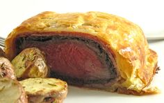 Get Beef Wellington Recipe from Food Network Low Sodium Frozen Meals, Fish And Chips, Deer Meat For Dinner, Beef Welington, How To Cook Beef, Good Foods To Eat, Filets, Beef Dishes, Steak Strips