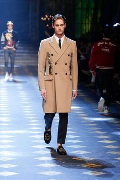 Dolce-Gabbana-Fall-Winter-2017-18-Mens-Fashion-Show
