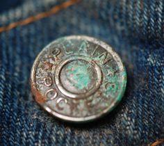 Blue-Green-Grey   bobimpresa:   1960s Plain Pocket jean button Jeans Button, Red Button, Vintage Bags, Vintage Denim, Love Jeans, Denim Branding, Raw Denim, Hang Tags, Green And Grey