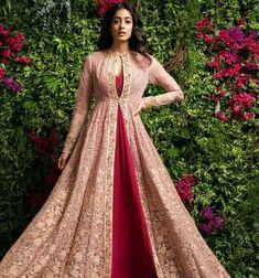 Powder Pink Bridal Lehenga by Shyamal & Bhumika Wedding-dresses Indian Wedding Gowns, Indian Gowns Dresses, Pakistani Dresses, Wedding Dresses, Indian Designer Outfits, Indian Outfits, Designer Dresses, Eid Outfits, Dress Indian Style
