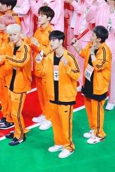 """코스믹메테오 on Twitter: """"UPDATE / 190107 아육대 #아이콘 #iKON #구준회 #JUNHOE… """" Yg Ikon, Kim Hanbin Ikon, Chanwoo Ikon, Jay Song, Ikon Wallpaper, Wild Love, Kpop, Bts Lockscreen, Yg Entertainment"""