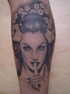 Badass Geisha Tat by Kat Von Dee.OMG that woman is one of the baddest tattoo artists ever! Geisha Tattoos, Geisha Tattoo Design, Tattoo Girls, Girls With Sleeve Tattoos, Kunst Tattoos, Bild Tattoos, Great Tattoos, Beautiful Tattoos, Awesome Tattoos