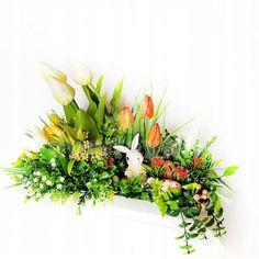 Veľká noc je za rohom a s ňou prichádza aj jarné obdobie. Vyzdobte si svoju domácnosť krásnymi dekoráciami z našej ponuky. Stačí si vybrať a nakupovať. Floral Wreath, Easter, Wreaths, Display, Spring, Plants, Home Decor, Flower Arrangements, Floor Space