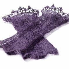 Strickanleitung Armstulpen Celine von Christiane Klink / Krishnane Crochet Crown, Crochet Lace, Crochet Hooks, Knit Mittens, Mitten Gloves, Lace Patterns, Knitting Patterns, Celine, Cable Knitting