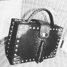 Made to order bags and clutch @rhabags whatsapp +6281310037425 reseller welcome.. #indonesia #ethnic