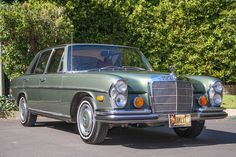 Bid for the chance to own a 1973 Mercedes-Benz at auction with Bring a Trailer, the home of the best vintage and classic cars online. Classic Mercedes, Ford Classic Cars, Best Classic Cars, Classic Cars Online, Mercedes 500, Mercedes S Class, Mercedes Benz Cars, Gottlieb Daimler, Fuel Injection