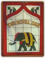 """Authentic Indian Cuisine  The Royal Dar—""""The Royal Doorway""""—is Vancouver Island's premier Indian restaurant, located in the beautiful mid-Island town of Duncan"""