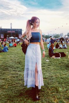 Gov Ball 💗💗💗 so glad I could make it for day three 🙌🏼 in full look Girly Outfits, Cool Outfits, Fashion Outfits, Luanna Perez, Gypsy Pants, Balloon Pants, Maxi Skirt Outfits, Full Look, Street Style