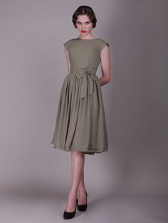 274 Cap Sleeved Vintage Bridesmaid Dress with Faux Buttons
