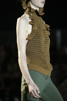 Phillip Lim Spring 2016 Ready-to-Wear Fashion Show Details Knitwear Fashion, Knit Fashion, I Love Fashion, Fashion Show, Summer Knitting, Knitting Wool, Crochet Wool, Mode Crochet, Embroidery Fashion
