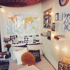 Dorm room walls - 36 lovely dorm room organization ideas on a budget 29 Dorm Room Walls, Cute Dorm Rooms, College Dorm Rooms, Boho Dorm Room, Decoration Inspiration, Room Inspiration, Decor Ideas, Decorating Ideas, 31 Ideas