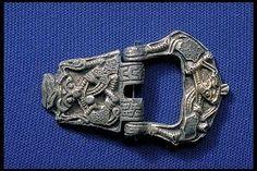 Viking silver buckle in borre style, Birka, Sweden. Viking Metal, Viking Art, Viking Woman, Medieval Belt, Norwegian Vikings, Viking Reenactment, Viking Designs, Viking Culture, Viking Dress