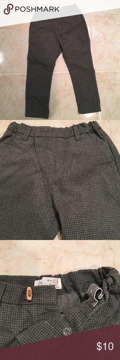 ZARA flannel gray check pants ZARA flannel gray check pants. Toggle button close and adjustable waist. Super cute and cozy! Boys size 2/3 Zara Bottoms Casual