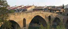 Puente-la-Reina sur le Chemin d'Arles, en direction de Saint-Jacques de Compostelle
