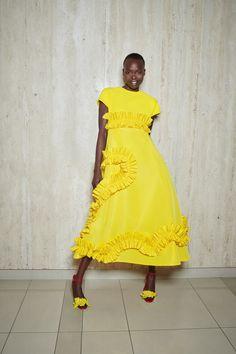Fashion 2020, Look Fashion, Runway Fashion, Spring Fashion, Fashion Show, Fashion Design, Simple Dresses, Casual Dresses, Fashion Dresses