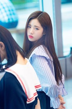 Fact In Star show. Is she sad or paying attention to something? South Korean Girls, Korean Girl Groups, Dream High, Star Show, Asian Beauty, Cool Girl, Rapper, Kpop, Long Hair Styles