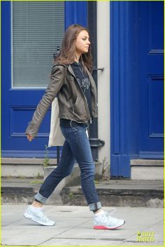 mila kunis, love her casual style