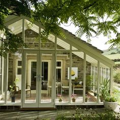 Country conservatory ideas - 10 of the best - Urdu Planet Forum -Pakistani Urdu Novels and Books Conservatory Extension, Conservatory Ideas, Edwardian Conservatory, Cottage Shabby Chic, Pergola, Glass Room, Screened In Patio, Ideas Hogar, House Extensions