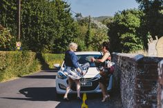 john ali wedding griffin inn fletching gosia grant photography Wedding Photographers Sussex-19