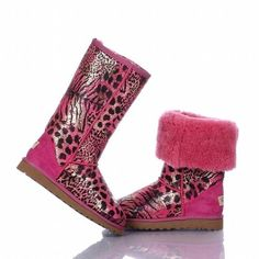 OMG! These things are Uggs!!! They are adorable i absolutely need these!!