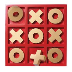 Classic Tic Tac Toe Set - Pinewood and Gold Playing Pieces