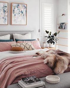 Macie rolety czy zasłony w sypialni? 🤔😊Fot. @oh.eight.oh.nine #homebook #homedecor #homeinspo #homedesign #homestyling #homeinspiration #bedroominspo #bedroomdesign #bedroomdecor #bedroomstyling #dreamhome #cozyhome #luxuryhomes #interior123 #interior4you #interiorinspo #interiorinspiration #interiorstyling #scandinavianhome #scandinaviandesign #whiteinterior #bohostyle #like4like #follow4follow #charming