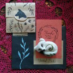 Sending this little arctic fox brooch to it's new owner 🍃    #fox #arcticfox #etsy #etsyseller #etsyshop #etsystore #foxjewelry #needlefelting #felting #mail #snailmail #etsyorder #packaging #letter #drawing #nature #natureinspired #brooch #handcraft #revonvilla #kettu #posti #etanaposti #kirje #piirtäminen #neulahuovutus #huovutus #käsityö #käsitöö