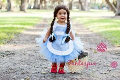 Excited to share this item from my shop: Wizard of Oz Dorothy Kids Girls Inspired Tutu Costume Order NOW to recieve it in time for HALLOWEEN! Disney Tutu Costumes, Cute Baby Costumes, Little Girl Costumes, Boy Costumes, Little Girl Dresses, Costume Ideas, Minion Costumes, Dorothy Halloween Costume, Halloween Costumes For Girls