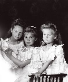 Three youngest daughters of the last Tsar: Tatiana, Maria and Anastasia in 1906