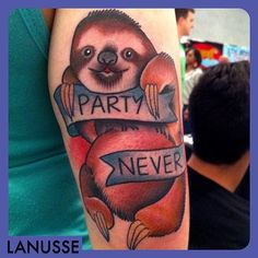 The non party sloth. the cutest of the 7 deadly sins. #tattoo #sloth #noparties #roccitytattooexpo #stumptownpigmentco  (at Chicago Midway International Airport)