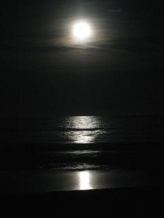 Full Moon Pictures, Foto Real, Galaxy Wallpaper, Yolo, Bonsai, Universe, Coraline, Landscape, Sticker