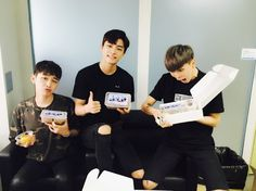 """160622 @madtown_camp Twitter Update """"[#MADTOWN] Preparing for first #Emptiness pre-recording!! We'll eat deliciously to show you a cool stage~ #MADPEOPLE make some noise!!!!!! #MADTOWN #Moos #LeeGeon #Buffy"""""""
